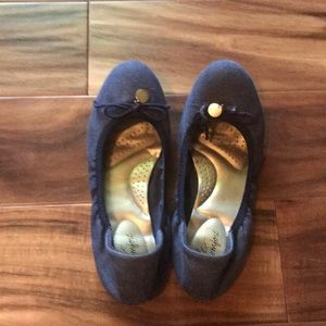 Dexflex chambray flat with bow